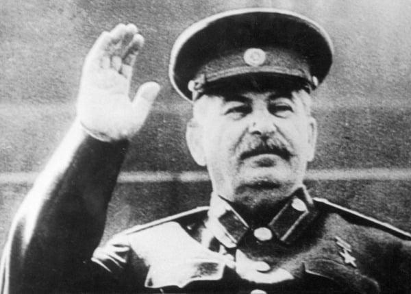 Иосиф Сталин на трибуне Мавзолея Ленина, Москва